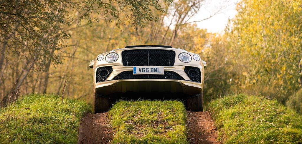 <br> BENTAYGA V8 PROCLAIMED LUXURY SUV OF THE YEAR