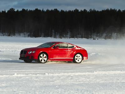 курсы эктримального вождения бентли в финляндии 2015