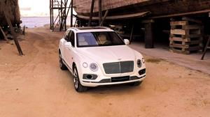 Bentley Bentayga Pearl of the Gulf_Broll.mp4